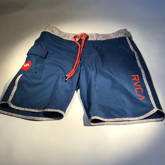 01d04bc495 Men's RVCA board shorts. Size 30. M_5b9e9e0312cd4a43b7057983